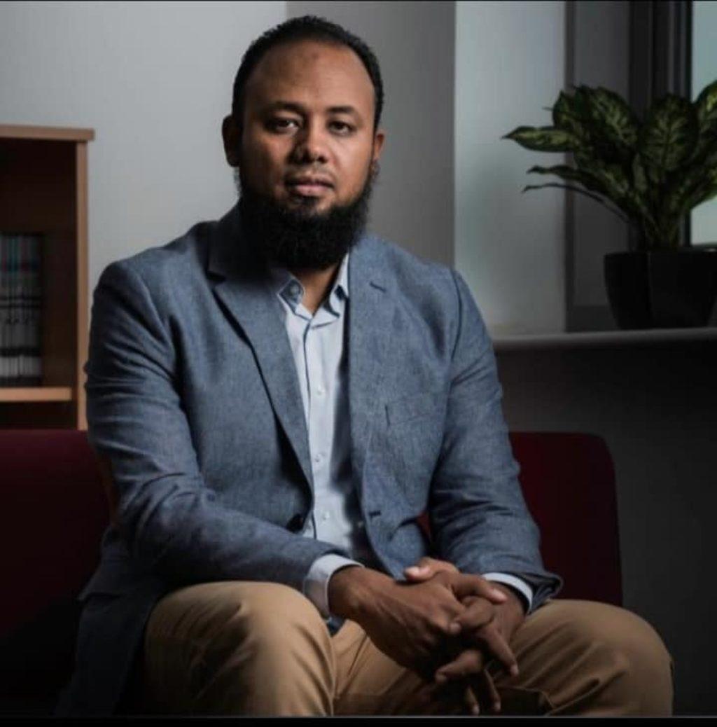 """تفاصيل الانتهاكات التي تعرض لها المحامي محمد الباقر في سجن العقرب.. ومطالب بنقله من """"طره شديد الحراسة"""""""